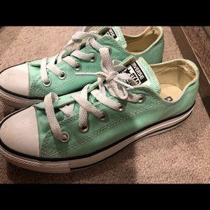 children's size 4 converse
